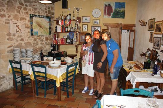 Casa Scesciola : Ingresso Sala interna
