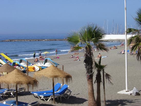 Hostal El Castillo: spiaggia