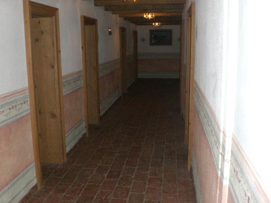 Hotel Vordergrub: Corridoio