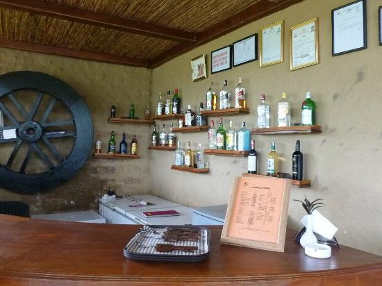 Tigerland Safari Resort: Round house bar