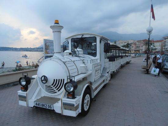 Port Public de Menton Garavan: Trenino turistico euro 7.50