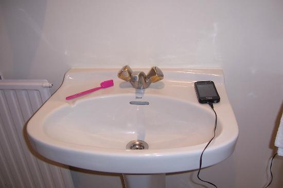Ibiltze Hotel Lasarte: lavabo