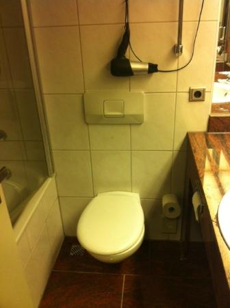 BEST WESTERN Hotel Düsseldorf City: Bad