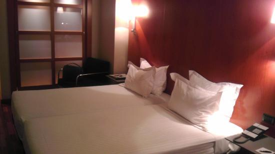 AC Hotel Leon San Antonio: Habitación