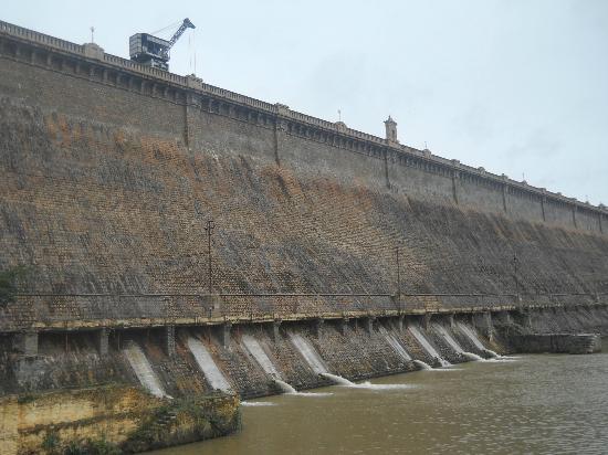 KRS Dam  - Picture of Royal Orchid Brindavan Gardens, Mysore