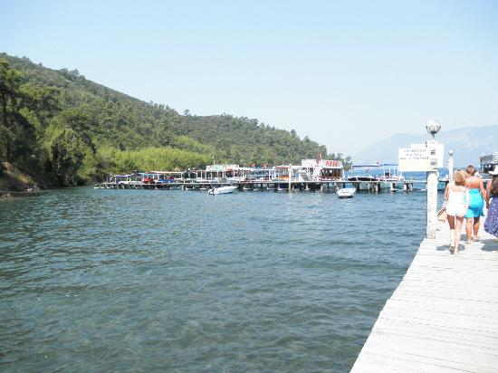 Cleopatra Island: Where the boats leave