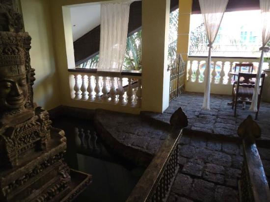 Hotel de Ville Siem Reap Boutique: Patio