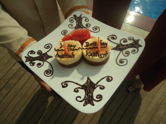 Terrasse des Elephants : Birthday cake!