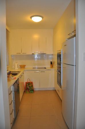 Domain Serviced Apartments : Kitchen