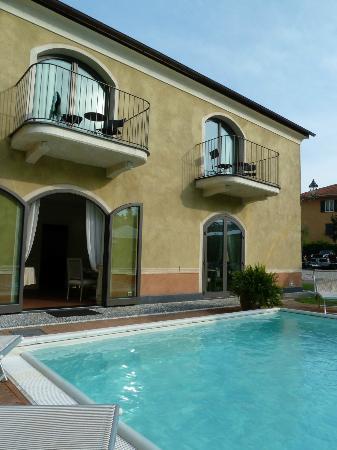 Hotel Villa Agnese: vista camere con piscina