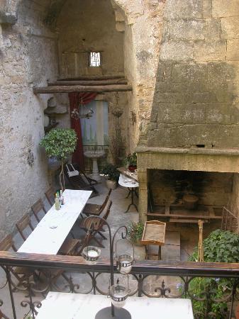 Bize de la Tour : Vista dal balcone sul cortile - Vie du balcon vers la cour