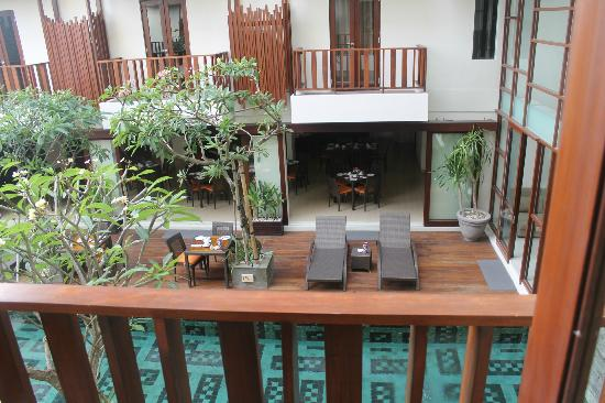 Sense Hotel Seminyak: view from 1st floor room poolside