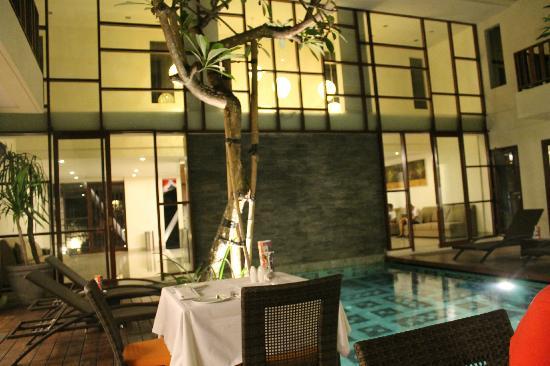 Sense Hotel Seminyak: lobby area