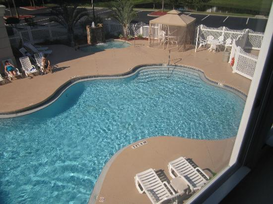 Country Inn & Suites By Carlson, Port Canaveral: Pool side room. Lovely