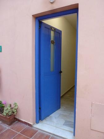 """Metropol Sea Hotel: Lüften unmöglich, da wegen nahe gelegener Restaurant-Toilette entsprechendes """"Aroma"""" vorhanden"""