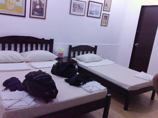 Coron Village Lodge: room 19