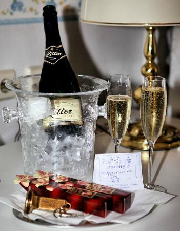 Hotel Kugel: Welcome sparkling wine for the Romantic Package
