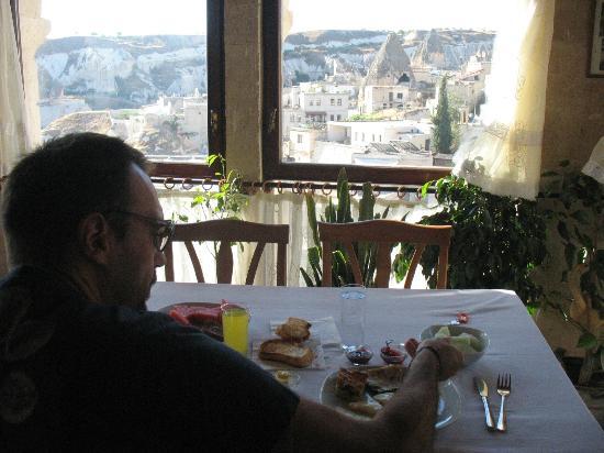 Kelebek Special Cave Hotel: colazione dalla terrazza interna
