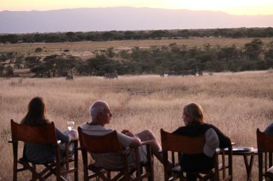 Manyara Ranch Conservancy: Sundowners on the ranch - what better way to end the day?