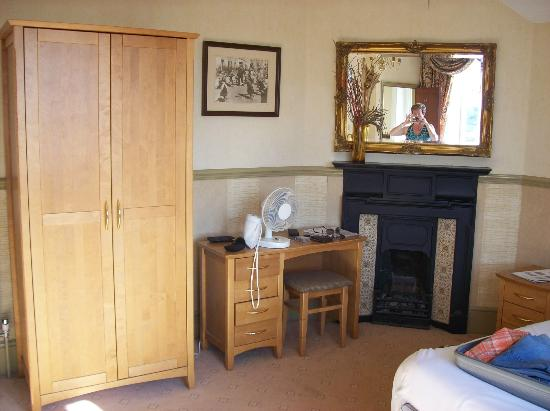 Grand Victorian Hotel: hairdryer is provided, in drawer of dressing table