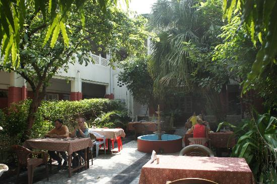 Tourists Rest House: Courtyard