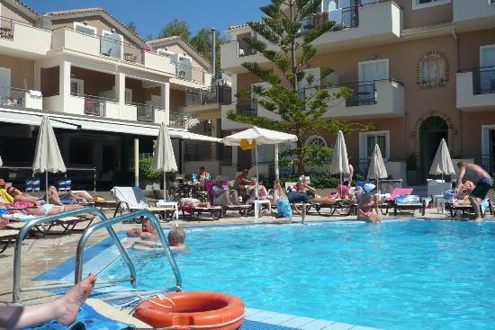 هوتل كونتيسينا: Pool Area 