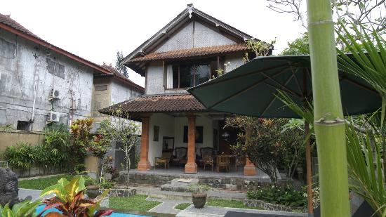 Bali Breeze Bungalows: main house