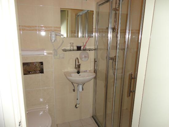 Hotel Wilhelmina: ванная