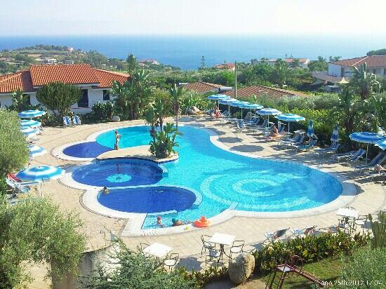 Hotel Il Gattopardo: la piscina vista dalla camera