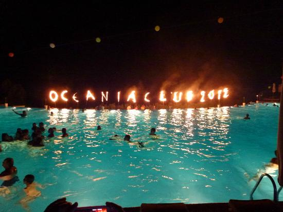 ‪‪Ikos Oceania‬: Pool party at the Oceania
