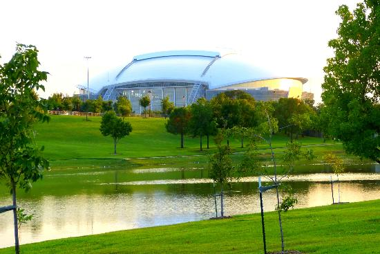 ‪وينجيت باي ويندام - آرلنجتون: Yes,here it is, COWBOYS stadium,just a few moments from the hotel