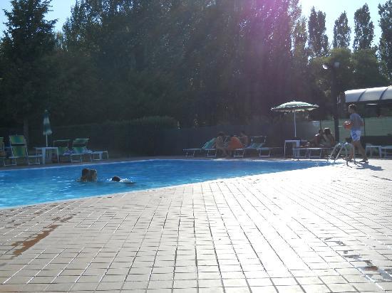 Hotel Centro Turistico Citta di Bologna: Piscina2