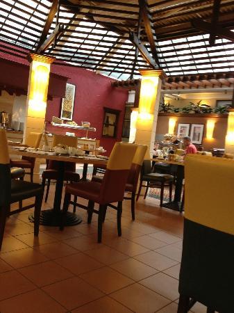 Aberdeen Marriott Hotel: Breakfast area