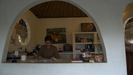 Mandala Bali Bungalow: office