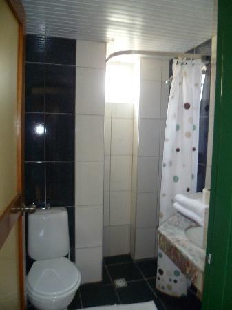 Hotel Benna: salle de bains