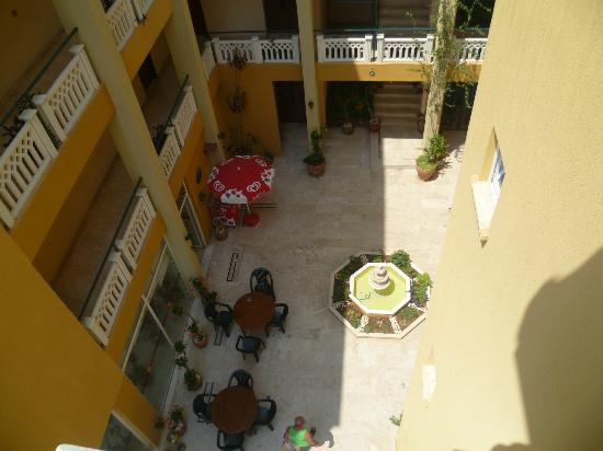 Hotel Benna: patio