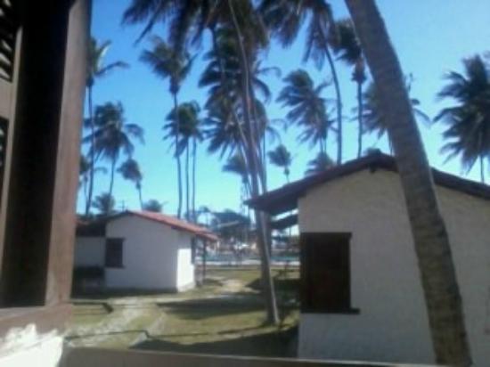 Marina Barro Preto Hotel: Vista do chlé em direção a piscina e praia