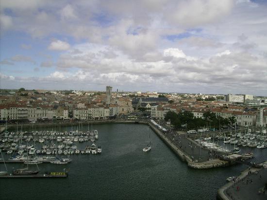 Vue du port prise de la Tour Saint-Nicolas