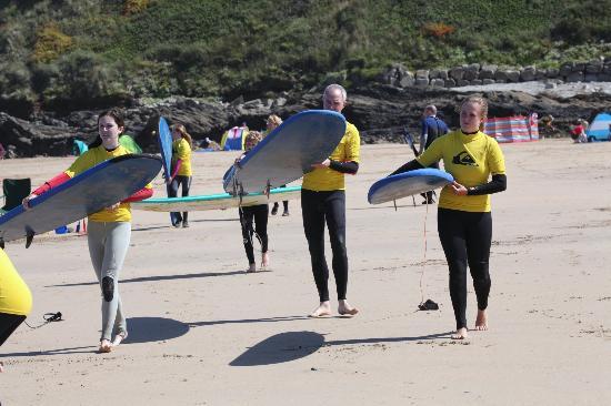 Quiksilver Surf School Newquay: En dan eindelijk... op weg naar de golven!