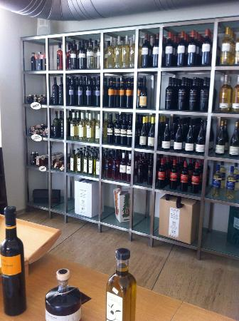 Boutari Winery: shop