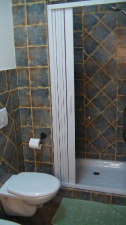 B&B Nonno Stacca: Bagno privato con doccia