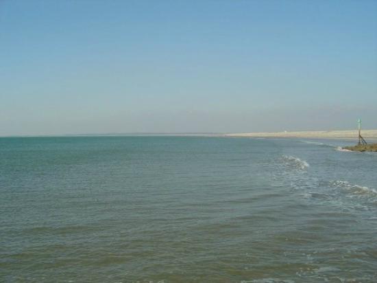 Dinas Dinlle Beach: Dinas beach