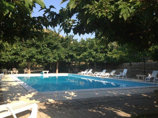 Agriturismo Val Di Noto: La piscina