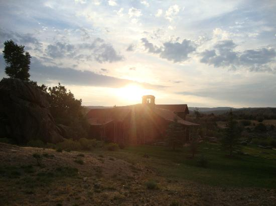 The Lodge and Spa at Brush Creek Ranch: Sunrise