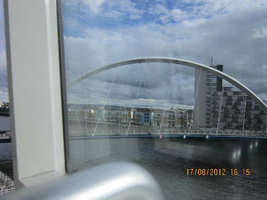 Hilton Garden Inn Glasgow City Centre: bridge from window