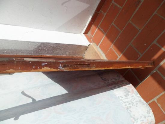 Club Cala D`Or Park Apartments: balcony door