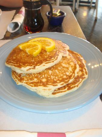 The Cheeze Factory Restaurant: Light & Fluffy Pancakes