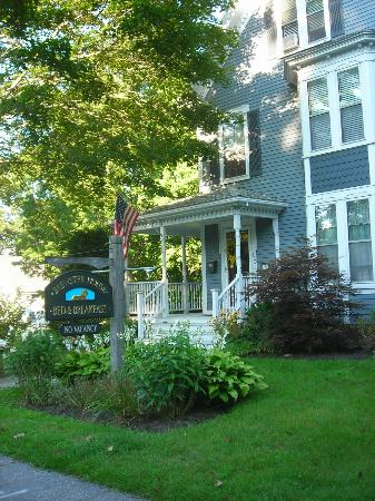 Brewster House Bed & Breakfast: Beautiful Location