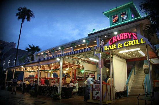 ‪Crabby's Beachwalk Bar & Grill‬
