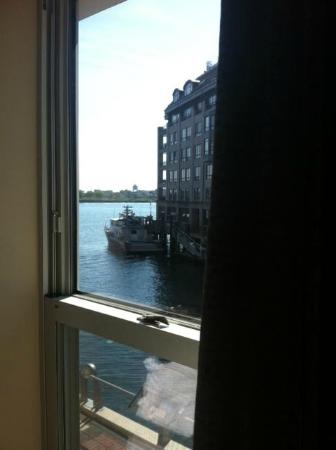 ‪‪Battery Wharf Hotel, Boston Waterfront‬: View from Room